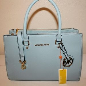 RARE Michael Kors double zip with magnetic closure